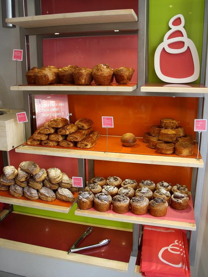 Giant madeleines at la p tisserie des r ves paris - La patisserie des reves salon de the ...
