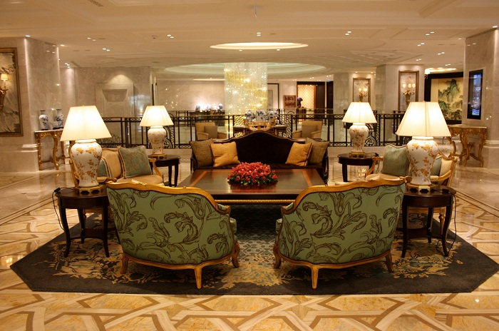 Shangri-La Istanbul lobby