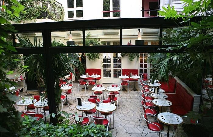 Dinner at Hotel Amour, Paris