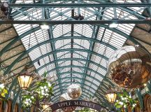 Covent Gardens famous Piazza gets a festive makeover with gianthellip