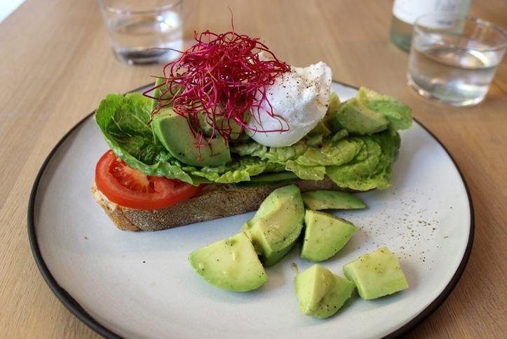 Oliv Eat Berlin avocado toast