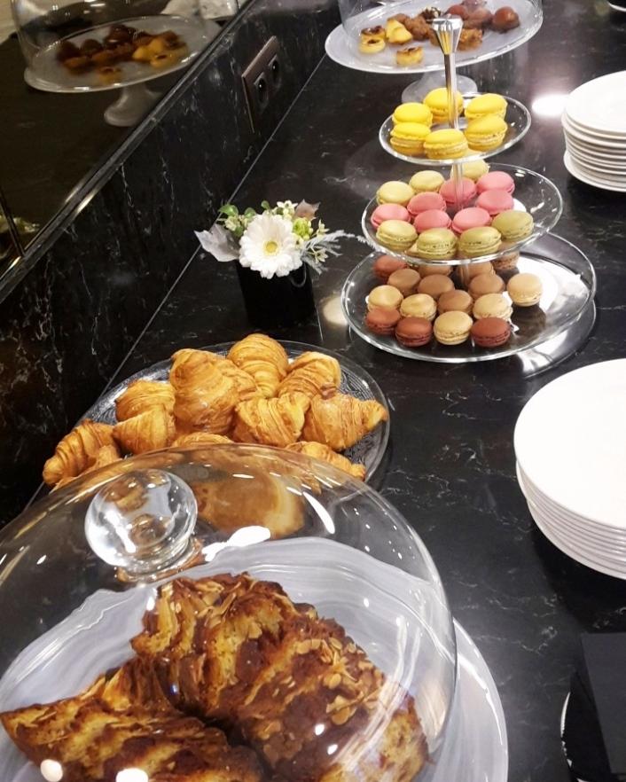 La Clef Tour Eiffel Paris tea time