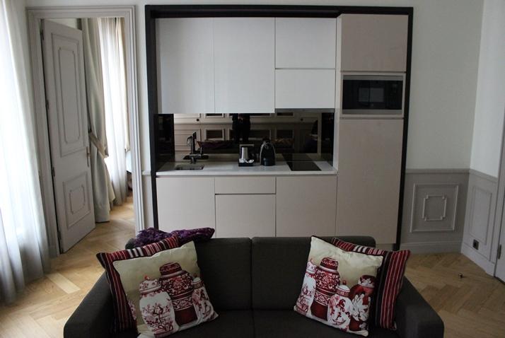 La Clef Tour Eiffel one bedroom apartment
