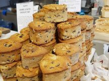 How cute are these heartshaped Earl Grey fruit cakes daylesfordfarmhellip